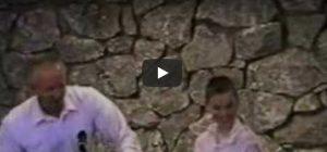 Zaterdag 2 december Filmpje: Kind doopt dominee