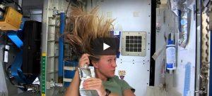 Zondag 18 maart Filmpje: Haar in de ruimte