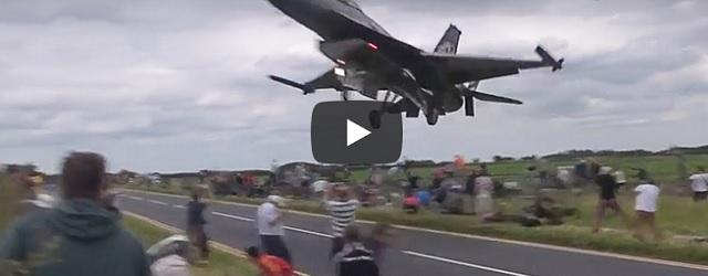 Zaterdag 18 januari Filmpje: Spectaculaire vliegtuigfilmpjes